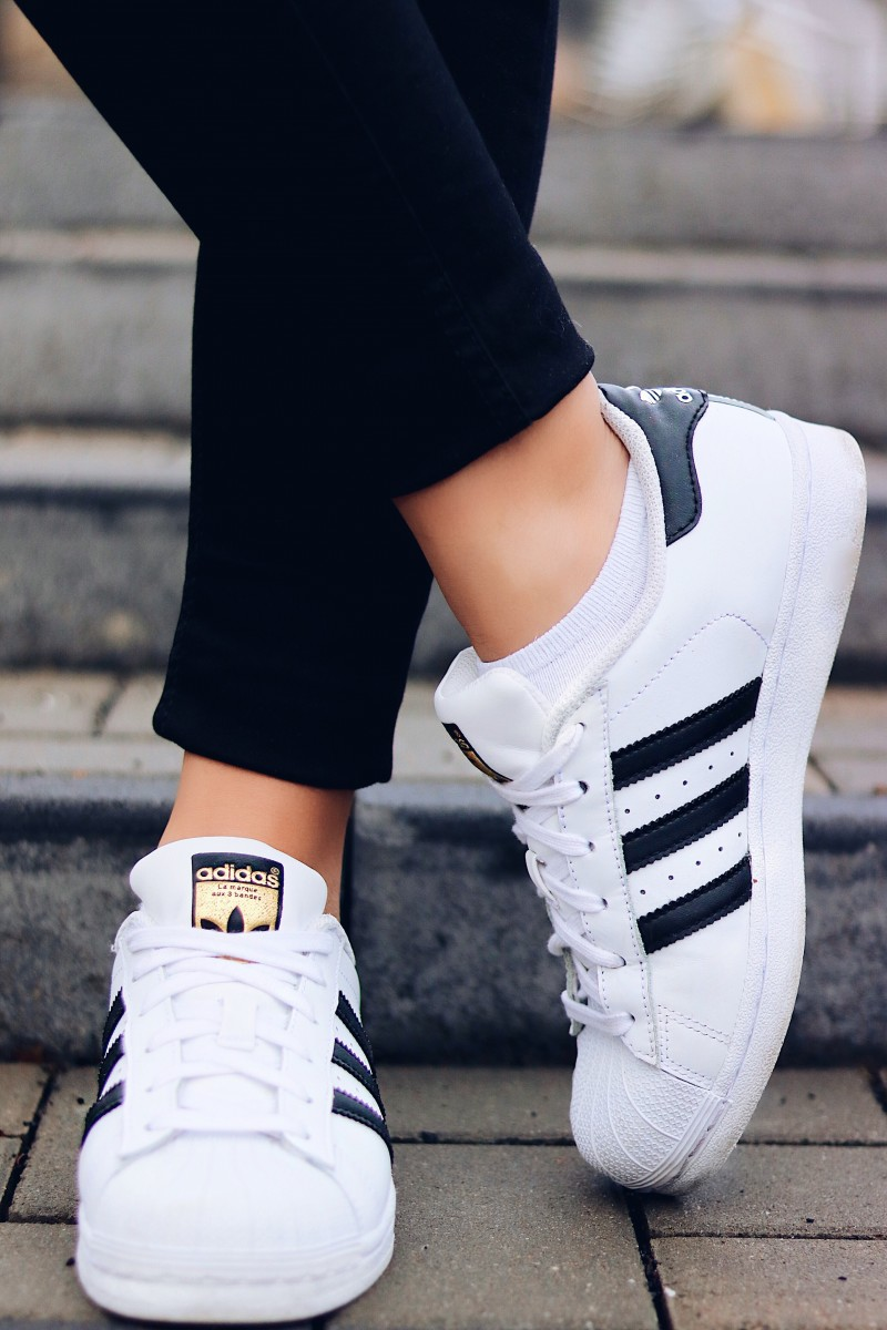 Adidas Superstars, Outfit