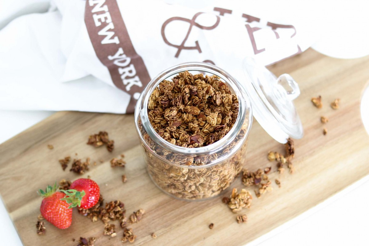 rezept homemade granola rezept f r das weltbeste knusper m sli. Black Bedroom Furniture Sets. Home Design Ideas