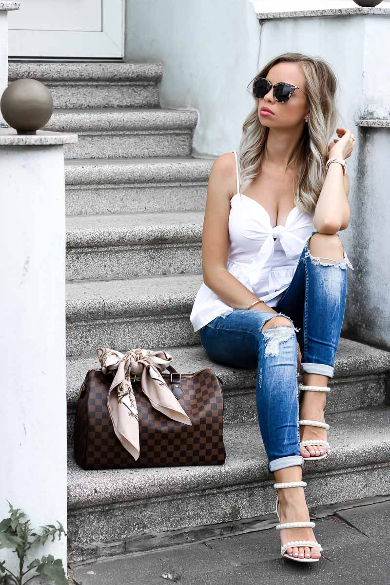 1f90df7e14404 Outfit  Summer in the City - Knoted Peplum   Pearl studded Heels